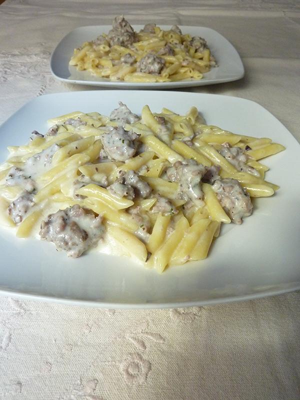 Receta Macarrones con nata, butifarra y carne