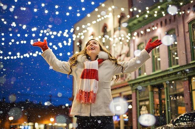 Las personas que decoran antes de Navidad, son más felices