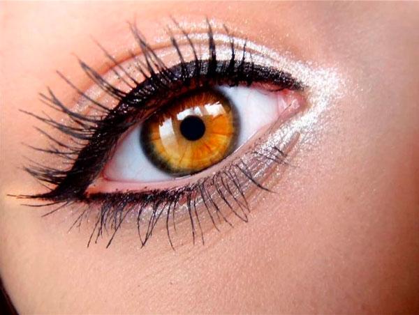 Delineado de ojo Griego Greek Eyeliner
