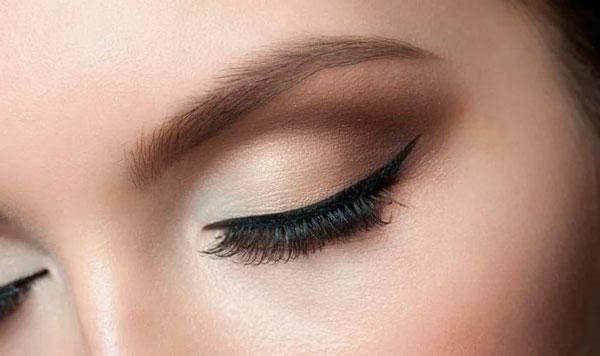 Delineado de ojo Fino Eyeliner