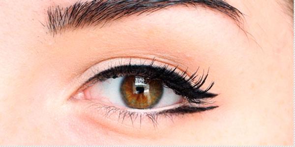 Delineado de ojo Open Wings Eyeliner