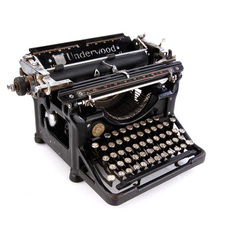 Antigua máquina de escribir- Foto de @antiguedades.es