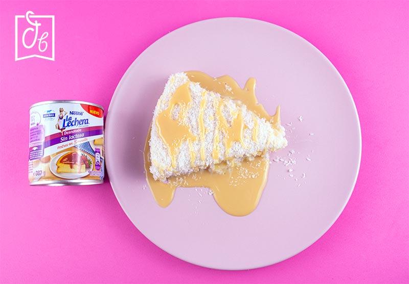 Trozo de pastel de Tapioca con Leche Condensada Sin Lactosa de La Lechera