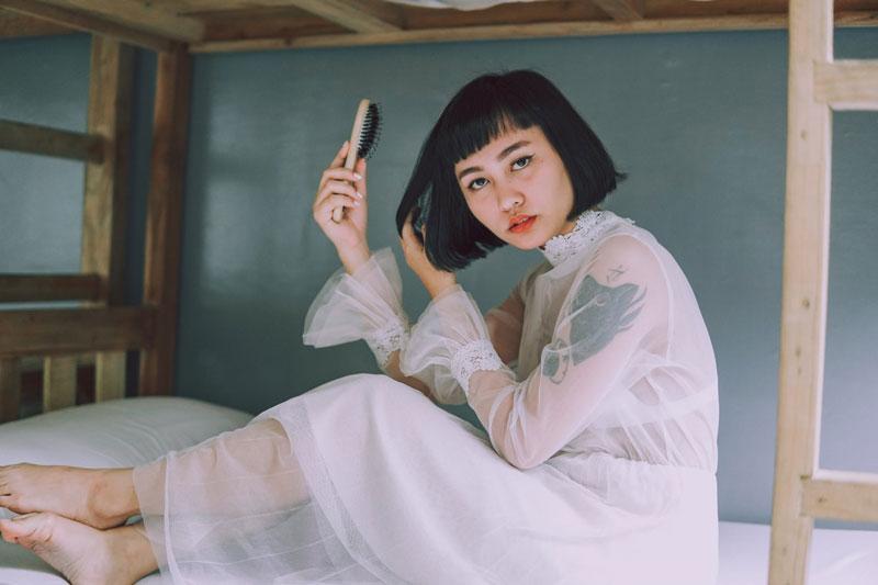 Descubre cómo y cuándo peinar tu cabello para lucir melenaza