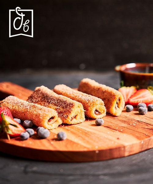 Rollitos de tostada francesa con nocilla y frutas