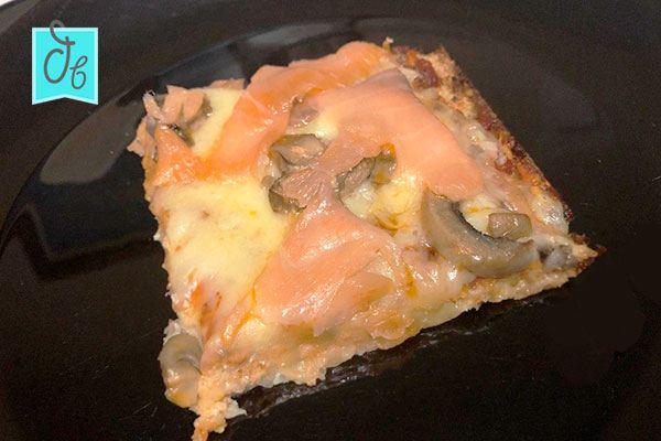 base de pizza de coliflor sin harina y sin levadura