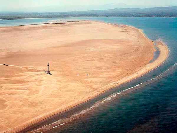 Punta Fangar en Tarragona es una de las playas más grandes de España