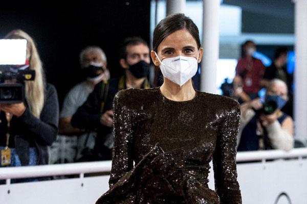 Elena Anaya maquillaje y mascarilla en el Festival de San Sebastián