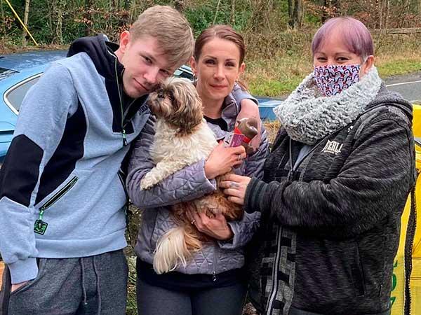 El reencuentro entre una mujer y su perra tras 7 años perdida