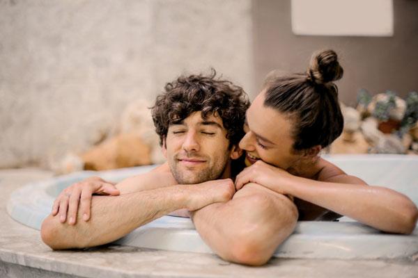 baño relajante en pareja planes San Valentín este año