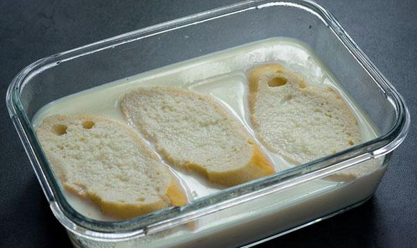 bañar pan de torrijas