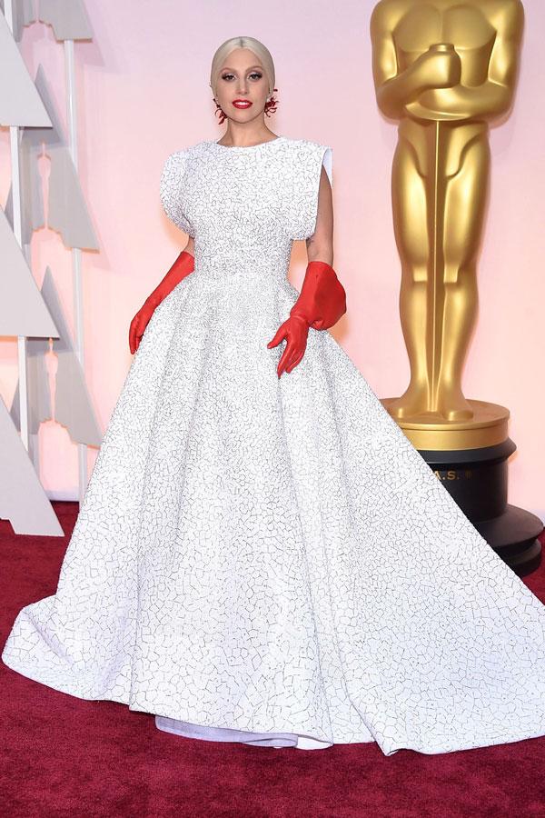 lady gaga Los looks más sorprendentes de los Oscar