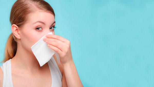 no frotar la nariz con alergia
