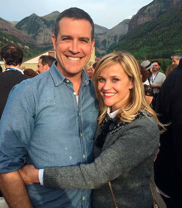 Reese Witherspoon y Jim Toth famosos felizmente casados
