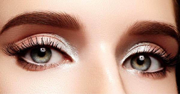 Sombras claras de ojos