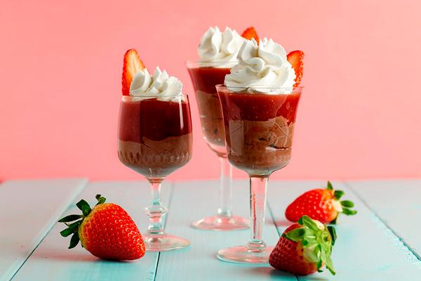 Vasos de fresa con chocolate