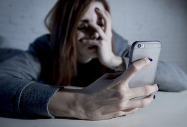no utilices aparatos electrónicos antes de dormir