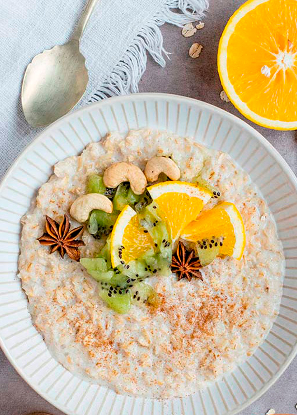 Porridge de avena y fruta