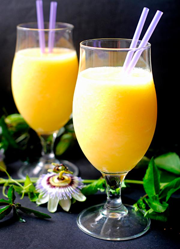 Smothie de piña mango y agua de coco