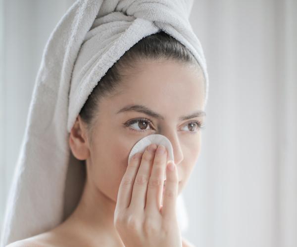 Limpiar el rostro Piel sana e hidratada