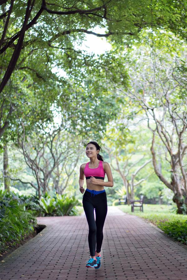 hacer deporte es uno habito de vida saludable necesario